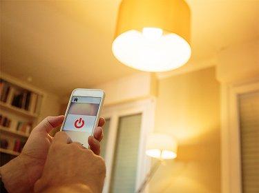 Lâmpadas Inteligentes: Saiba como funciona e se realmente ajudam a economizar energia